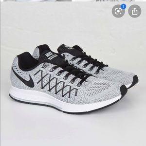 Nike Pegasus 32 Women's Running Shoe